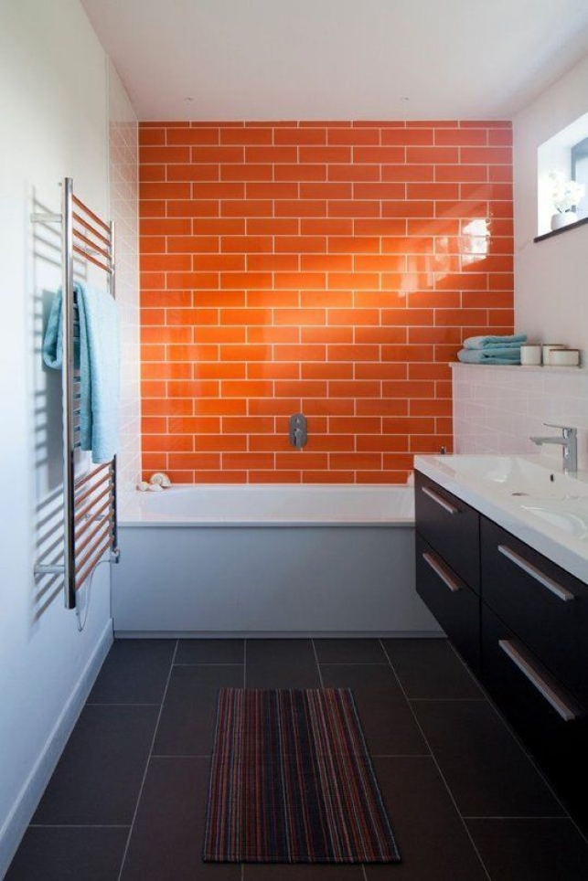 coour bathroom orange 2