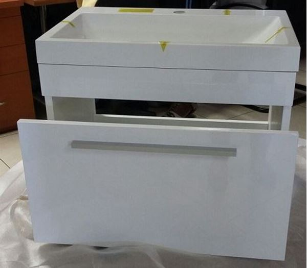 Picture of Narrow vanity 596 L x 396 mm D, 1 soft closing drawer, ref KG1DR600.