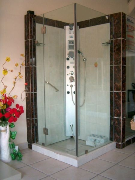 Picture of Luxurious Frameless Shower 900 x 900 x 2000 mm H, 8 mm tempered glass